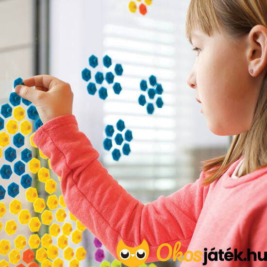 színes kreatív játék ablakra