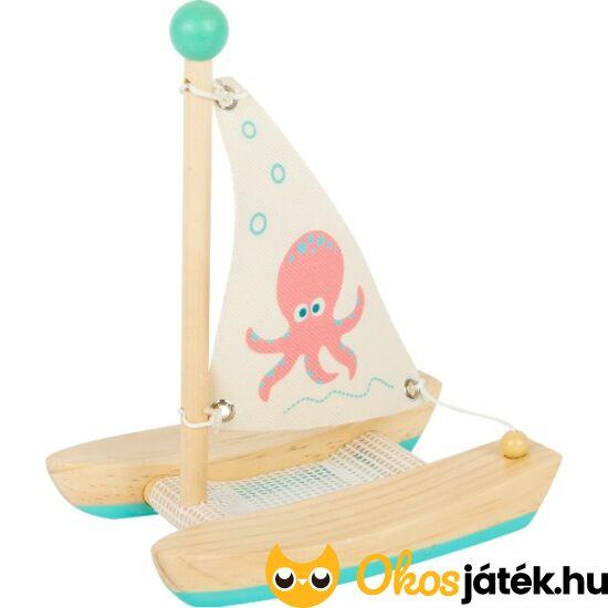 Katamarán játékhajó