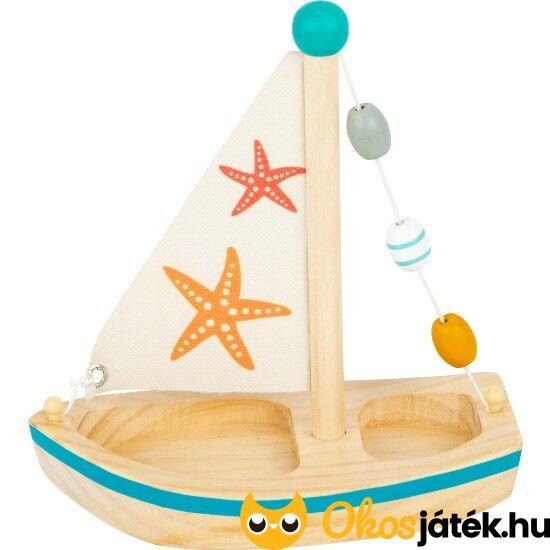 Fa vitorlás játék hajó