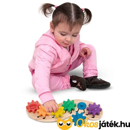 Szivárvány hernyó - fogaskerekes készségfejlesztő játék 2 évesnek - Melissa Doug 13084 (ME-62)